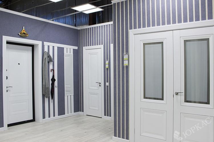 входные и межкомнатные двери в едином стиле